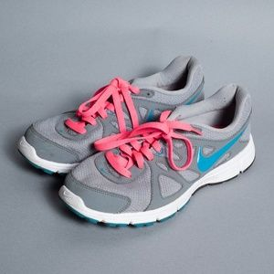 Nike Revolution 2 Lightweight Running Shoe